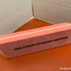 Escribanía: ENORME GOMA DE BORRAR, DIVERTIDO MENSAJE POR EFFACER LES MAUVAIS SOUVENIRS. MIDE 16X5CMS. Lote 177382834