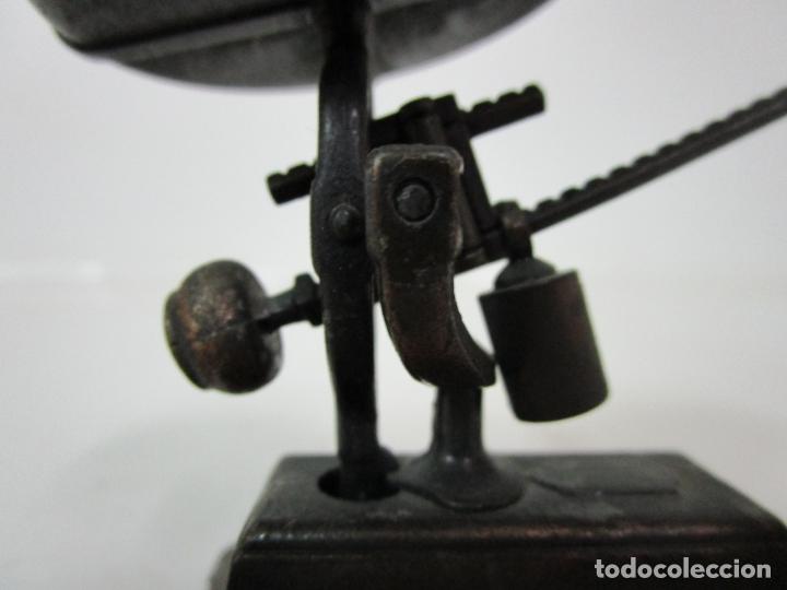 Escribanía: Sacapuntas - Marca Playme - Balanza, Bascula en Metal - Años 70 - Foto 8 - 180088038