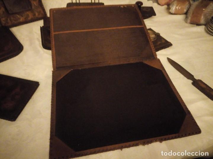 Escribanía: Antigua Escribana Cuero Repujado, compuesta de 9 piezas,años 30/40 - Foto 13 - 181951710