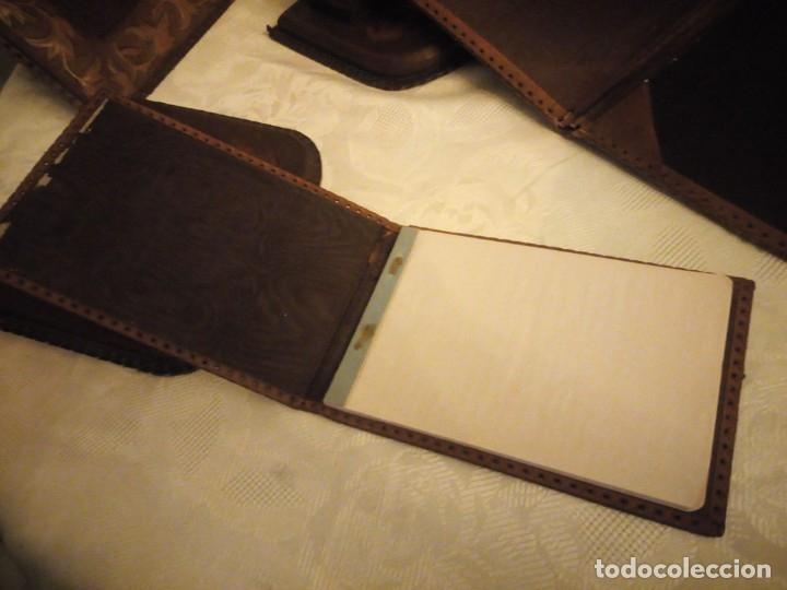 Escribanía: Antigua Escribana Cuero Repujado, compuesta de 9 piezas,años 30/40 - Foto 14 - 181951710