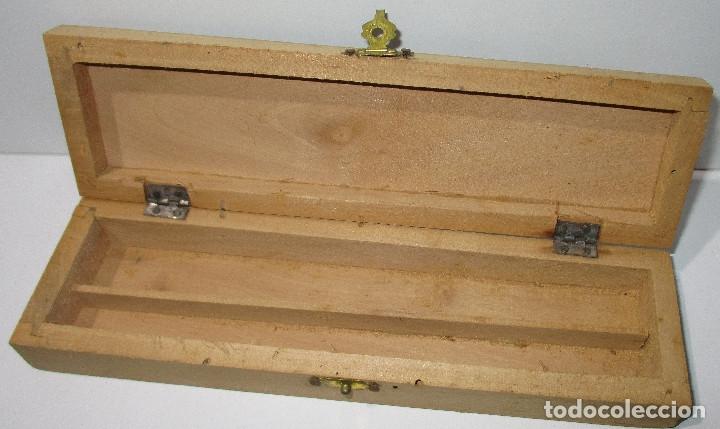 Escribanía: Antiguo estuche, plumier escolar años 50, de madera, decorado con dibujo ESPACIO, ESPACIAL, NAVES - Foto 2 - 183311666