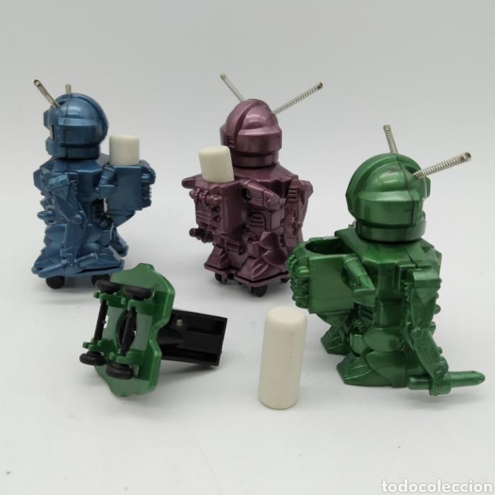 Escribanía: Lote de 3 antiguos robots Sacapuntas con goma de borrar, años 80 - EGB - Foto 2 - 190628390