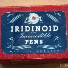 Escribanía: CAJA PLUMILLAS IRIDINOID. Lote 191185796