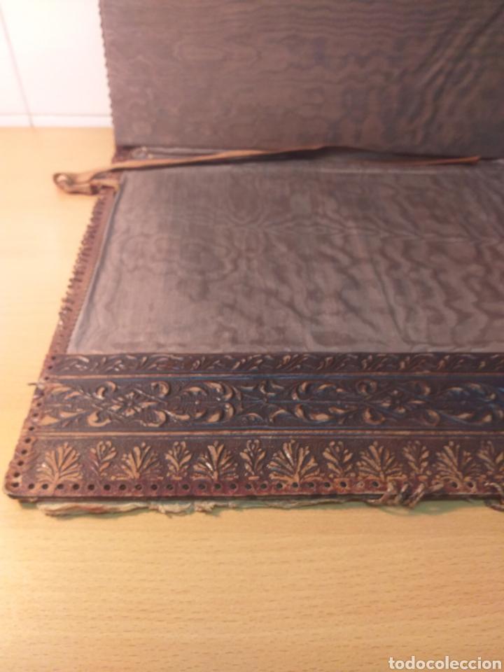 Escribanía: Antigua carpeta porta documentos cuero repujado - Foto 7 - 192175798
