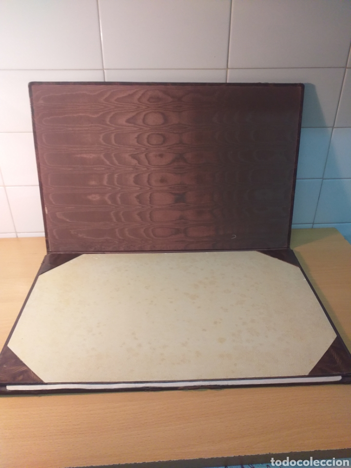Escribanía: Antigua carpeta porta documentos çuero - Foto 2 - 192176583