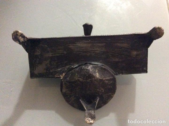 Escribanía: Tintero y portaplumas antiguo. Metálico. - Foto 3 - 193637181
