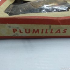 Escribanía: CAJA COMPLETA DE PLUMILLAS. Lote 194349982
