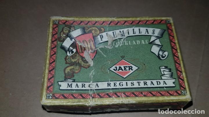 Escribanía: Lote. Antiguo tintero, almohadilla y caja con plumillas. - Foto 3 - 194995102