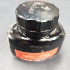 Escribanía: ANTIGUO TINTERO SUPER QUINK TINTA ROJA. Lote 195424360