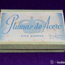 Scrivania: ANTIGUA CAJA DE PLUMILLAS. 100 PLUMAS DE ACERO. TIPO CORONA. PRECINTADA.ORIGINAL.AÑOS 30-40.GRANBAUR. Lote 205325787