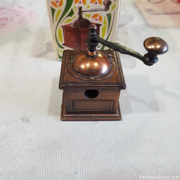 Escribanía: SACAPUNTAS EN FORMA DE MOLINILLO DE CAFÉ PLAYME - Foto 9 - 210832809