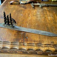 Escribanía: ABRECARTAS EN PLATA DEL BANCO ATLANTICO- VELERO. Lote 212095196