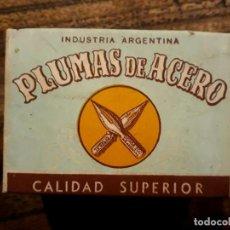 Escribanía: CAJA DE 144 PLUMAS DE ACERO, PLUMILLAS DE ACERO DORDA LANZA 58 ARGENTINA, SIN USO C.1940. Lote 212429543