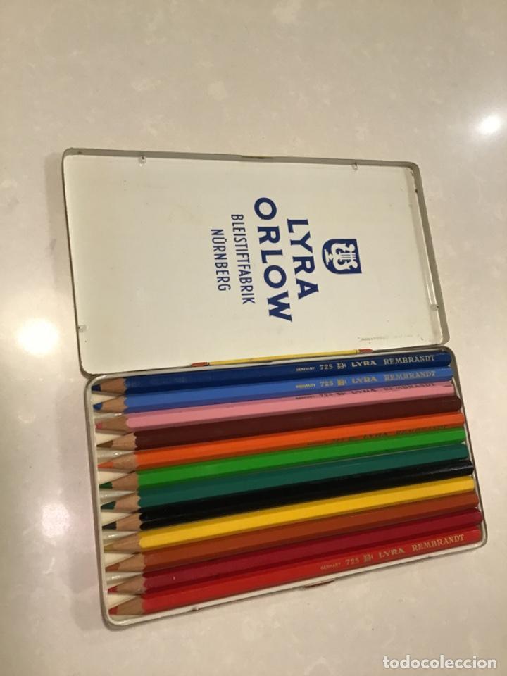 Escribanía: Caja de lata LIRA VINTAGE - Foto 2 - 227634385