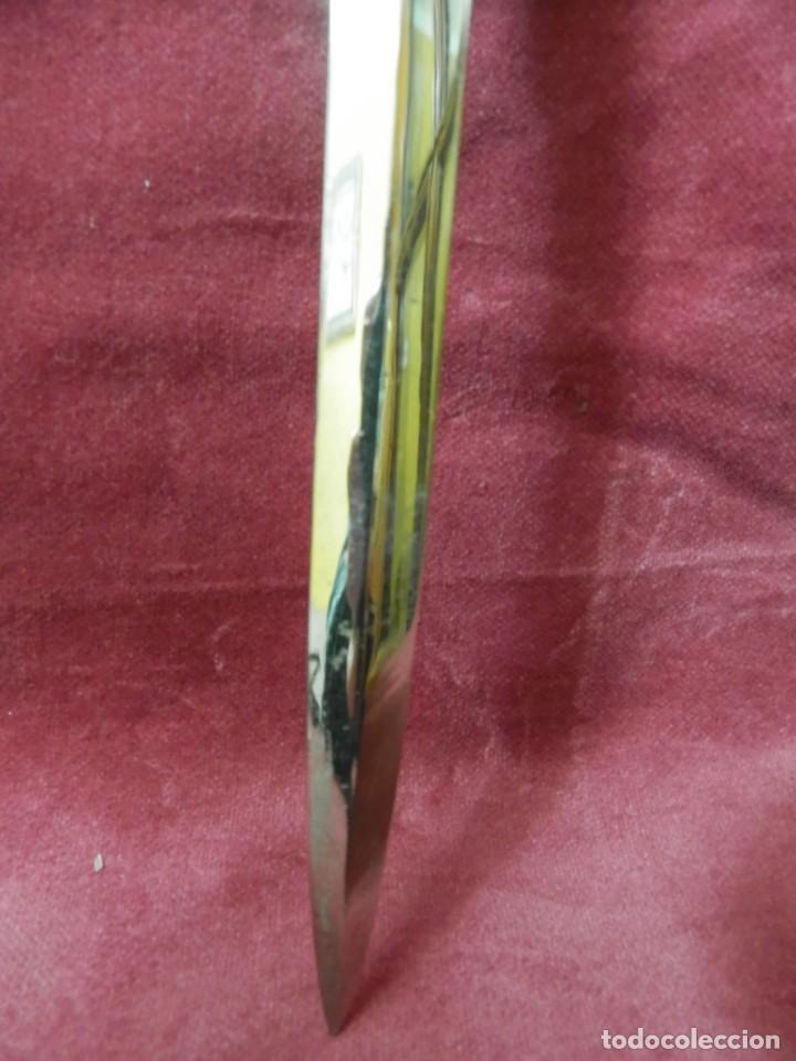 Escribanía: ABRECARTAS PLATEADO. IMAGEN COCHE. 20 X 4 - Foto 5 - 242060100