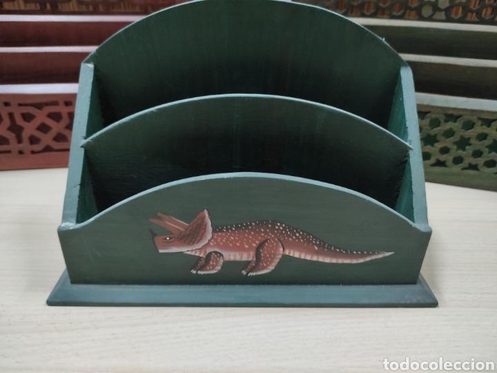 Escribanía: Archivador o porta cartas y papeles para utilizar en despacho o recibidor de casa. - Foto 2 - 243560650