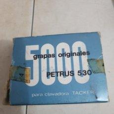 Escribanía: GRAPAS PETRUS 530. Lote 244545430