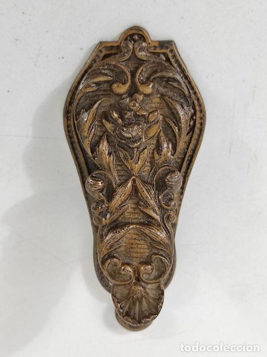 Escribanía: Antigua Pinza Sujeta Papeles - Bronce Cincelado - Foto 2 - 266740433