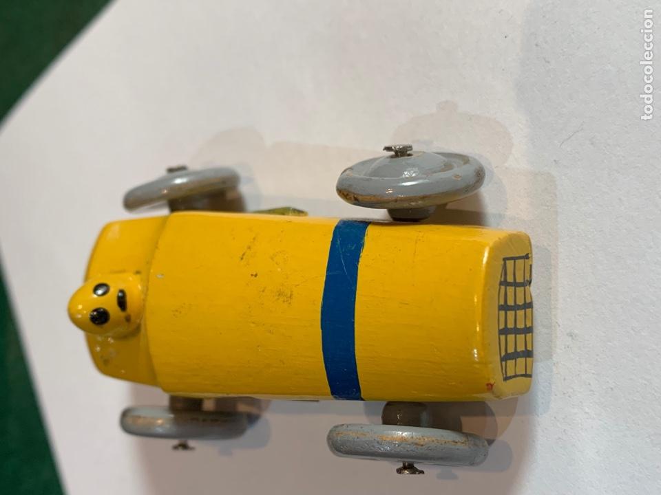 Escribanía: Sacapuntas muy antiguo en forma de coche mide 7x4 cm madera - Foto 6 - 270161318