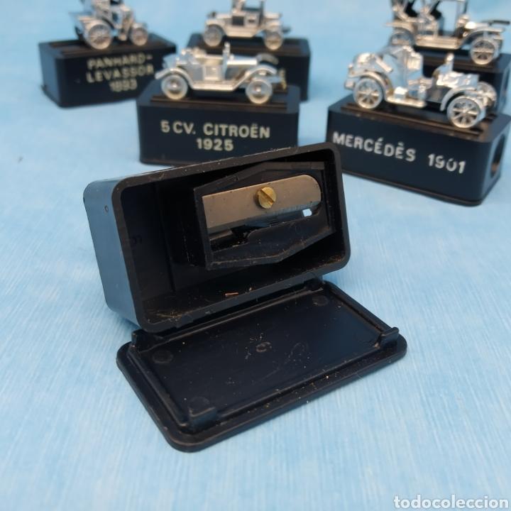 Escribanía: Lote de 6 sacapuntas, colección completa Coches antiguos Peugeot, Ford, Panhard, Citroen, Mercedes - Foto 2 - 275900398