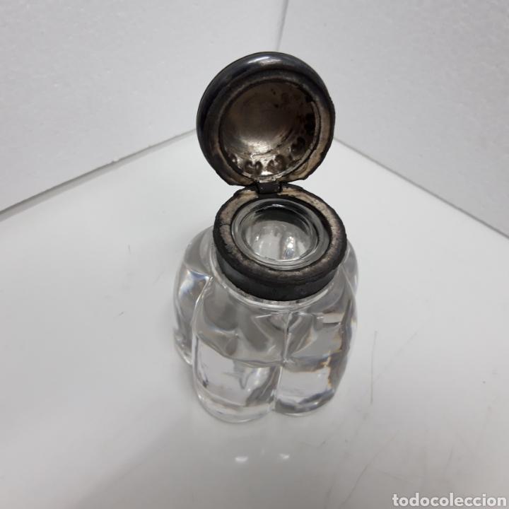 Escribanía: Antiguo Tintero cristal y tapa calamin y estaño. - Foto 2 - 276795973