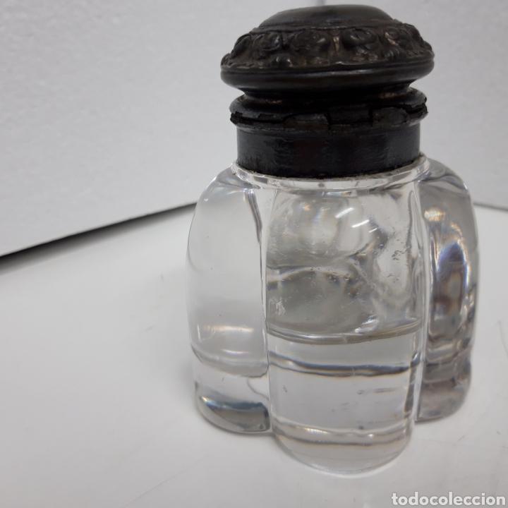 Escribanía: Antiguo Tintero cristal y tapa calamin y estaño. - Foto 3 - 276795973