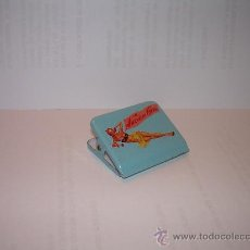 Estilográficas antiguas, bolígrafos y plumas: PINZA METALICA PARA PAPELES CHICA PIN UP. Lote 26472276
