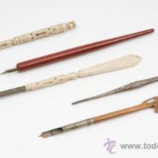 Estilográficas antiguas, bolígrafos y plumas: 5 PLUMILLAS, EN PLATA,MARFIL Y MADERA EXOTICA. Lote 26258877