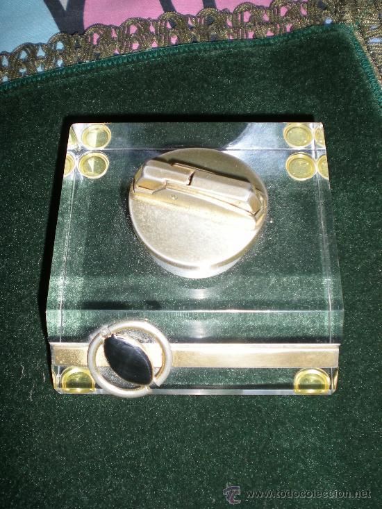 Estilográficas antiguas, bolígrafos y plumas: juego de mechero cenicero y pisapapeles de escritorio metraquilato con metal dorado - Foto 2 - 34641291