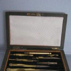 Estilográficas antiguas, bolígrafos y plumas: ANTIGUA CAJA CON JUEGO DE COMPASES PPIO. S. XX. Lote 36827198