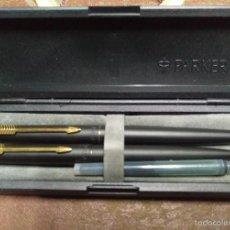 Estilográficas antiguas, bolígrafos y plumas: PLUMA BOLIGRAFO PARKER ANTIGUO, NEGRO Y DETALLE DORADO. Lote 56133217