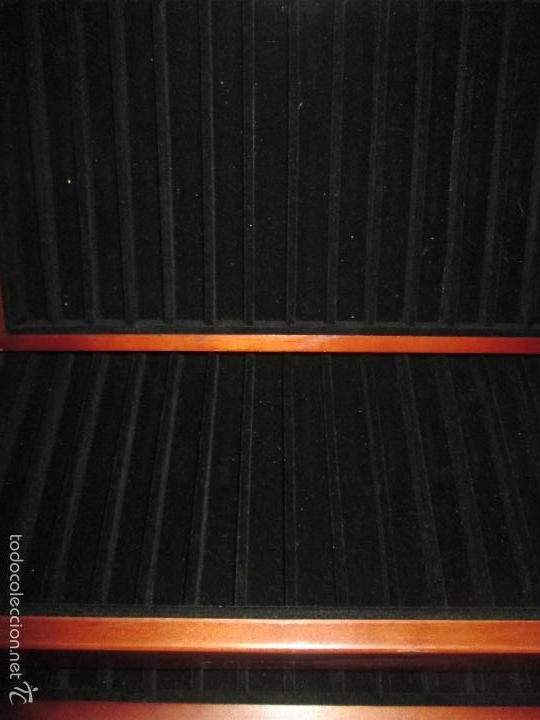 Estilográficas antiguas, bolígrafos y plumas: EXPOSITOR MADERA-PARA 84 PIEZAS ESCRITURA-TAPA CRISTAL-37x25x23 CMS-TERCIOPELO INTERIOR-VER FOTOS+DE - Foto 9 - 58615801