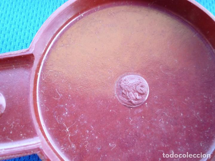 Estilográficas antiguas, bolígrafos y plumas: ESCRIBANÍA DE BAQUELITA NEGRA Y TAPAS GRANATE CON 2 TINTEROS MODELO S1 RENTERÍA EN MUY BUEN ESTADO - Foto 6 - 86586052