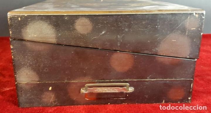 Estilográficas antiguas, bolígrafos y plumas: ESCRIBANÍA DE SOBREMESA. MADERA LACADA. MOTIVOS ORIENTALES. SIGLO XIX-XX. - Foto 3 - 96572823
