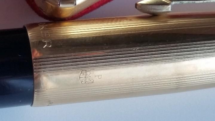 Estilográficas antiguas, bolígrafos y plumas: Bolígrafo y pluma estilográfica oro PARKER 61 Classic Fountain, años 60 y caja original terciopelo. - Foto 6 - 27640141