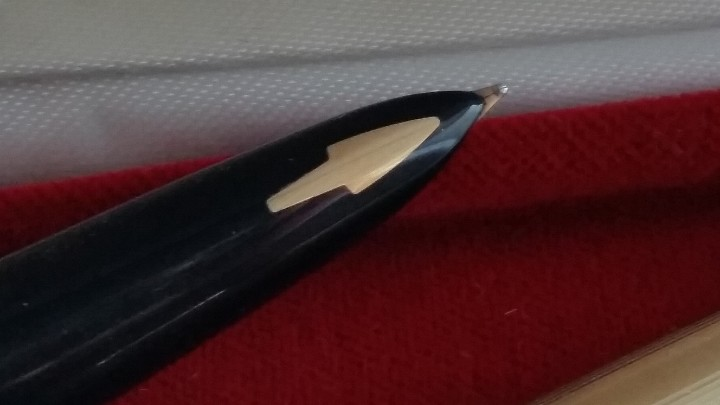 Estilográficas antiguas, bolígrafos y plumas: Bolígrafo y pluma estilográfica oro PARKER 61 Classic Fountain, años 60 y caja original terciopelo. - Foto 11 - 27640141