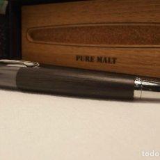 Estilográficas antiguas, bolígrafos y plumas: ROLLER PURE MALT MADERA. Lote 115584195