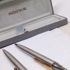 Estilográficas antiguas, bolígrafos y plumas: JUEGO BOLÍGRAFO Y PORTAMINAS INOXCRON DE ACERO COMPLETO EN SU CAJA NUEVOS. Lote 143203525