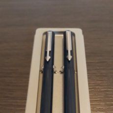 Estilográficas antiguas, bolígrafos y plumas: ANTIGUO CONJUNTO 2 ESTILOGRÁFICAS PARKER VECTOR STANDAR AZUL. Lote 148281604