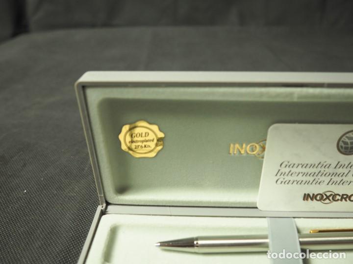 Estilográficas antiguas, bolígrafos y plumas: Juego Inoxcrom con click chapado en oro. A estrenar - Foto 2 - 159120690