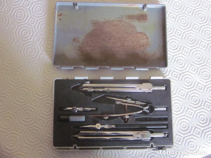 Estilográficas antiguas, bolígrafos y plumas: 2 cajas de compases EDE - Foto 9 - 159763218