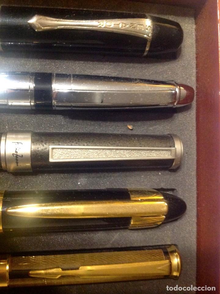 Estilográficas antiguas, bolígrafos y plumas: Colección De 50 Plumas Estilográficas Con Vitrina Expositor - Foto 6 - 172067113