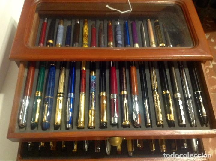 Estilográficas antiguas, bolígrafos y plumas: Colección De 50 Plumas Estilográficas Con Vitrina Expositor - Foto 16 - 172067113