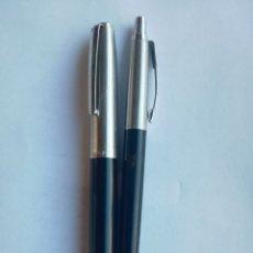Estilográficas antiguas, bolígrafos y plumas: ANTIGUA PLUMA ESTILOGRAFICA Y BOLIGRAFO PARKER USA 21 CLOR NEGRO. Lote 174107038