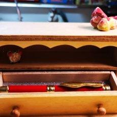 Estilográficas antiguas, bolígrafos y plumas: FACTIS PLUMA CON ESTUCHE ARMARIO DE MADERA. Lote 182840800