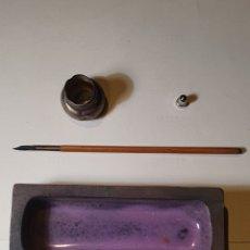 Estilográficas antiguas, bolígrafos y plumas: LOTE DE PLUMA Y RECIPIENTE. Lote 204628557