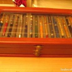 Estilográficas antiguas, bolígrafos y plumas: COLECCION DE PLUMAS ESTILOGRAFICAS EN SU MUEBLE. Lote 205343010