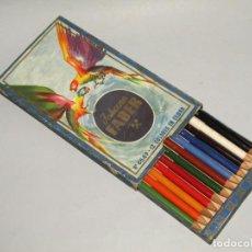 Estilográficas antiguas, bolígrafos y plumas: ANTIGUA CAJA DE 12 LAPICEROS DE COLORES EN CEDRO JOHAN FABER. Lote 248616020