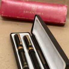 Estilográficas antiguas, bolígrafos y plumas: JUEGO DE PLUMA Y BOLÍGRAFO CUERPO CELULOIDE NEGRO ARGENTARIA. Lote 262616520