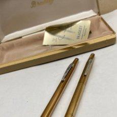 Canetas de tinta permanente antigas, esferográficas e plumas: JUEGO BOLÍGRAFO Y PORTAMINAS BRADLEY CUERPO DORADO. Lote 293717503